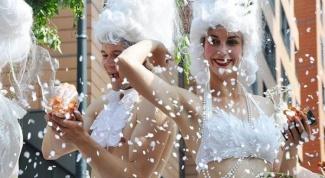 Почему не разрешают гей-парад