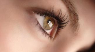 Как обеспечить полноценный уход за кожей вокруг глаз