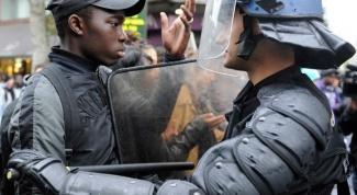 С чем связаны беспорядки на севере Франции