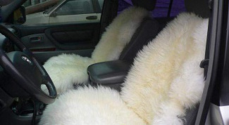 Как почистить автомобильные чехлы