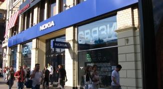 Почему Nokia закрывает все фирменные магазины в России