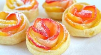 Как испечь вкусные ягодные слойки