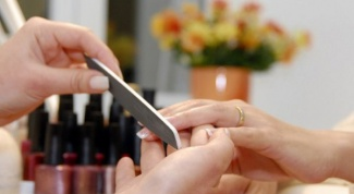 How to choose the form for short nails