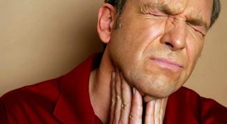 Как сделать лекарство для больного горла самостоятельно