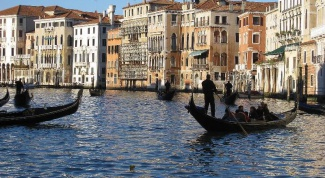 Как проходит регата Бурано в Венеции