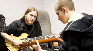 What you need to know to learn to play the guitar
