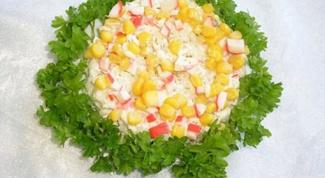 Популярный крабовый салат