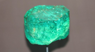 How to choose emeralds?