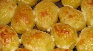 Запеченная картошка в мультиварке