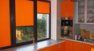 Cassette roller blinds for plastic Windows: the details of the choice
