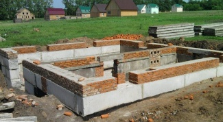 Строительство свайно-ленточного фундамента