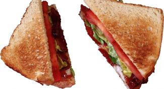 Сытный горячий бутерброд