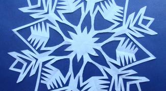 Как делать снежинки из салфеток