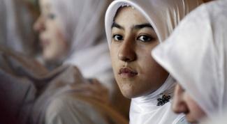 Как должна вести себя мусульманка