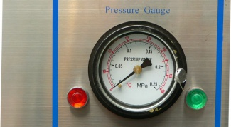 How does the temperature of the pressure