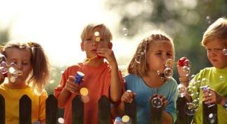 Незнакомые люди: правила безопасности для ребенка