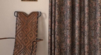 Curtains wenge color in the interior