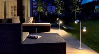Garden solar lamps: choose the cottage