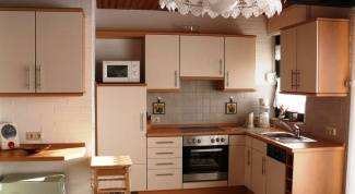 Small microwave - great advantages of small size