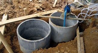 Что лучше: система канализации или септик из бетонных колец?