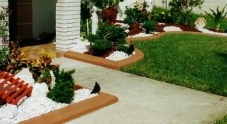 Виды материалов для изготовления садового бордюра