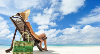 How to sunbathe on the sea