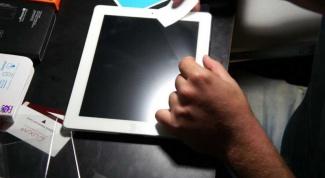 Как наклеить пленку на планшет