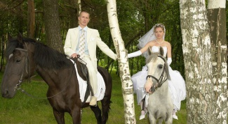 Where to go to ride to the wedding