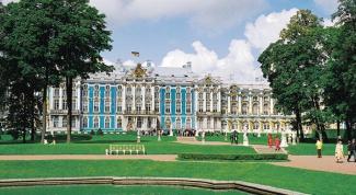 Куда поехать из Санкт-петербурга