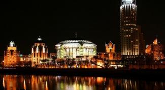 Куда пойти в Москве ночью