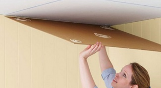 How to glue ceiling tiles to the plaster