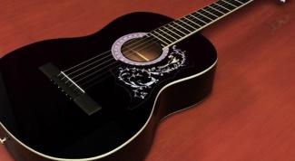 Как натягивать струны на акустическую гитару
