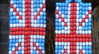 How to weave beaded flag