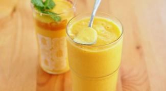 Смузи с манго и бананом