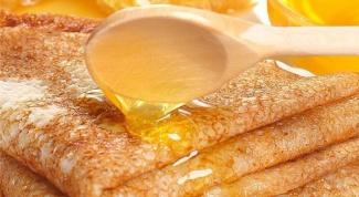 Блинчики с медовым соусом