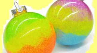 Как сделать новогодние неоновые шарики на елку