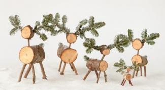 How to make reindeer from logs