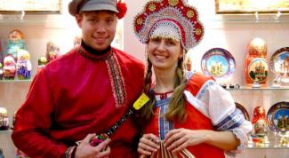 Сколько народов проживает в России?