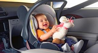 Где безопаснее всего закрепить детское кресло в машине?