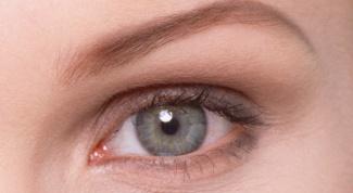 Какой цвет волос подходит к серо-голубым глазам?