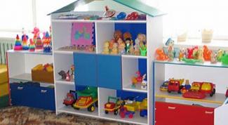 Как сделать самому стеллаж для детских игрушек?