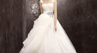 Сколько стоит платье от Веры Вонг
