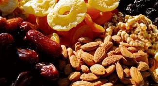 Как правильно сочетать орехи, мед и сухофрукты