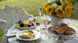 Как приготовить романтичный цветочный обед