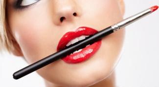 Простые советы: как правильно наносить макияж
