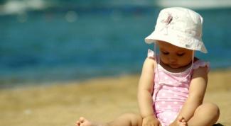 Как защитить малыша от летних болезней