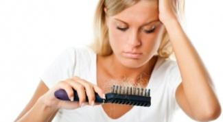 Выпадение волос у женщин. Как с этим бороться?