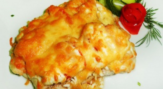 How to cook chicken under cheese crust?
