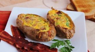Картофель, фаршированный сыром и ветчиной