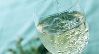 Изучаем состав напитков: газированная вода